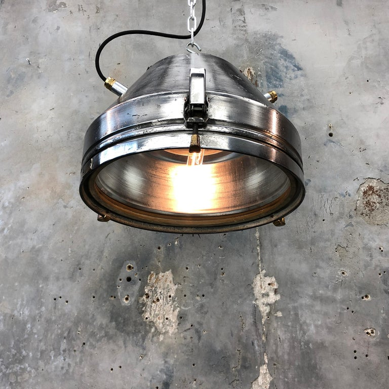 Midcentury German VEB Industrial Iron and Aluminium Pendant with Edison Bulb For Sale 2