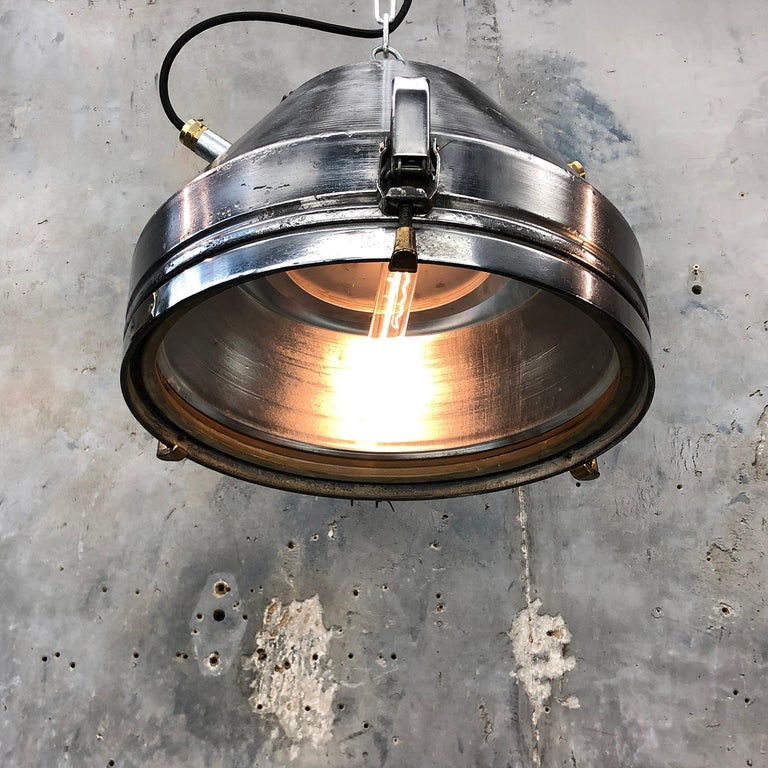 Midcentury German VEB Industrial Iron and Aluminium Pendant with Edison Bulb For Sale 3