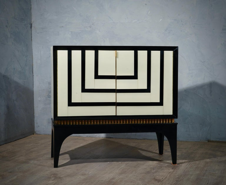 Mid-Century Modern Mid-Century Glass and Brass Italian Sideboard, 1980 For Sale