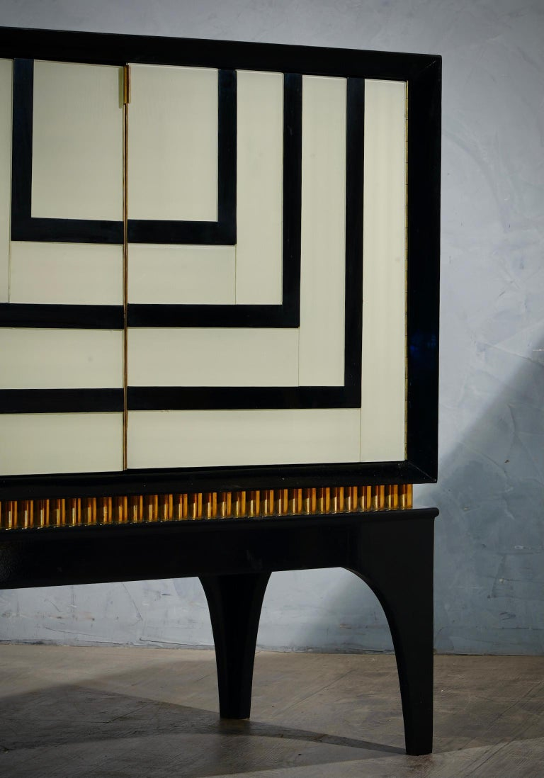Mid-Century Glass and Brass Italian Sideboard, 1980 For Sale 4