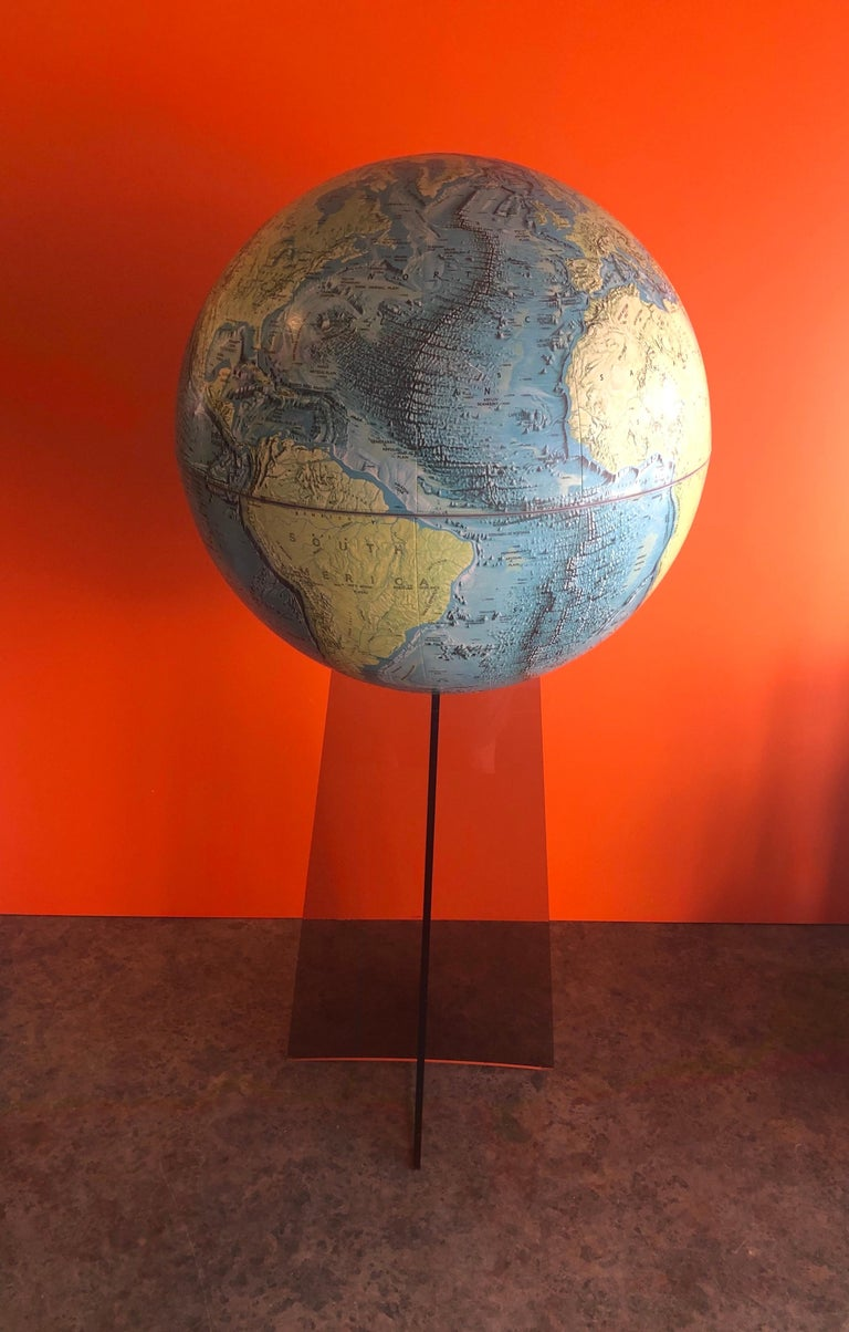 Midcentury Globe on Smoked Lucite Stand In Good Condition For Sale In San Diego, CA