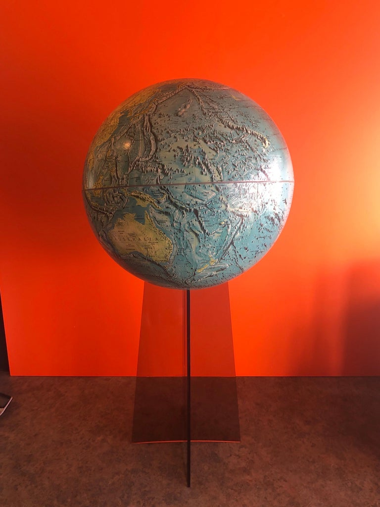 Midcentury Globe on Smoked Lucite Stand For Sale 2