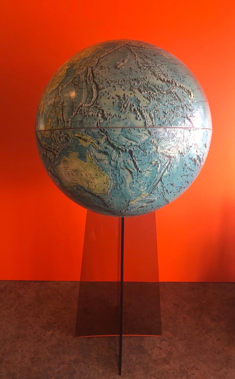 Midcentury Globe on Smoked Lucite Stand For Sale 3