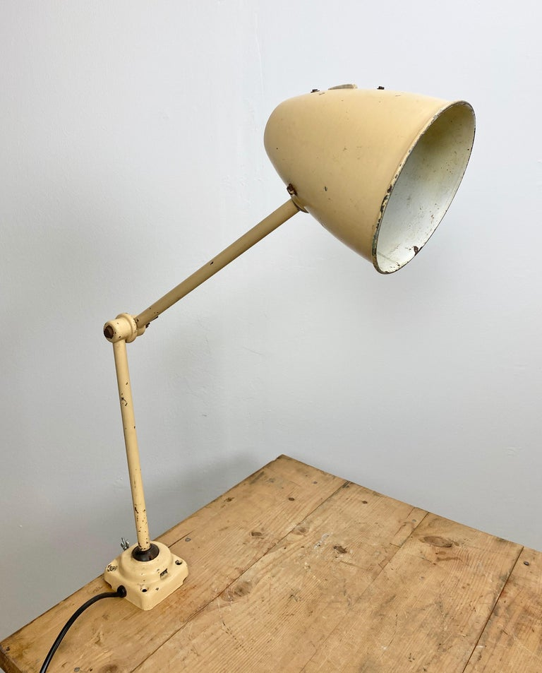 Midcentury Beige Industrial Table Lamp, 1960s For Sale 2