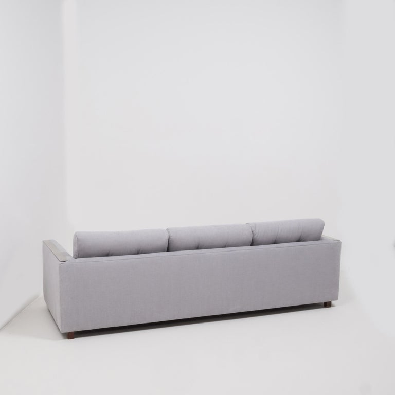 Mid Century Grey and Chrome Frame Three-Seat Sofa in the Style of Milo Baughman In Good Condition For Sale In London, GB