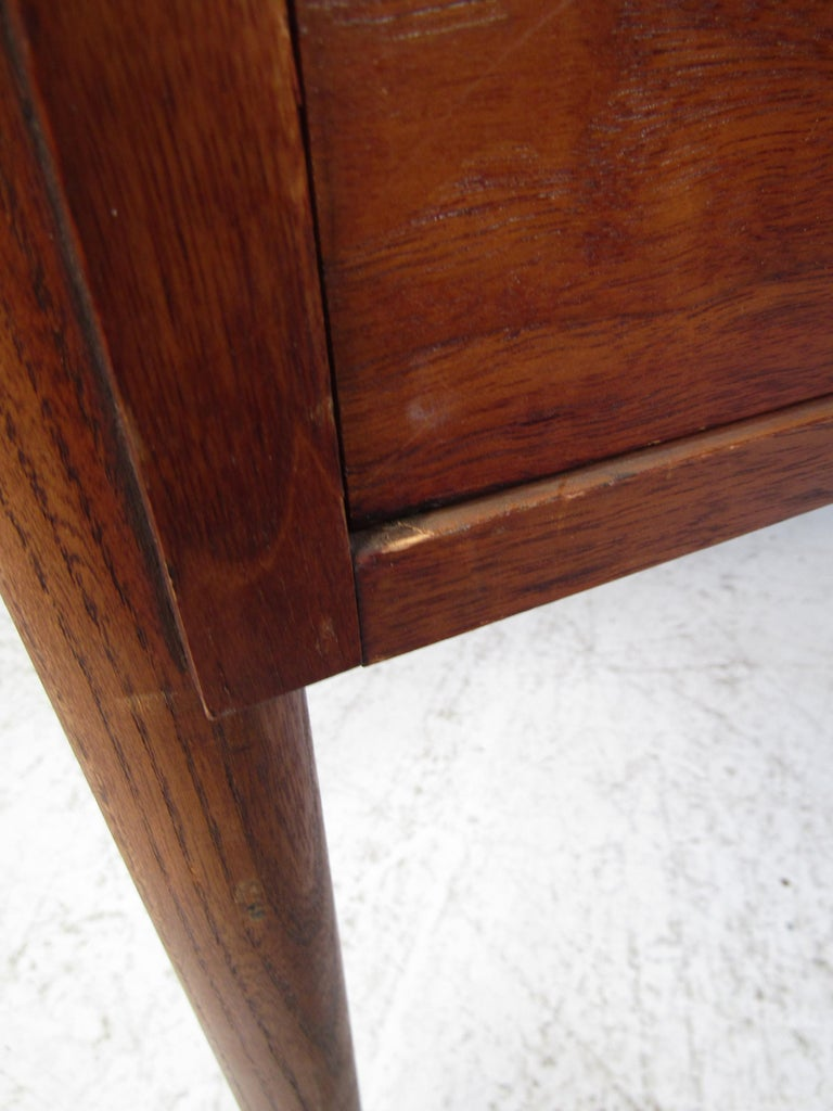 Midcentury Hallway or Console Table by Lane For Sale 2