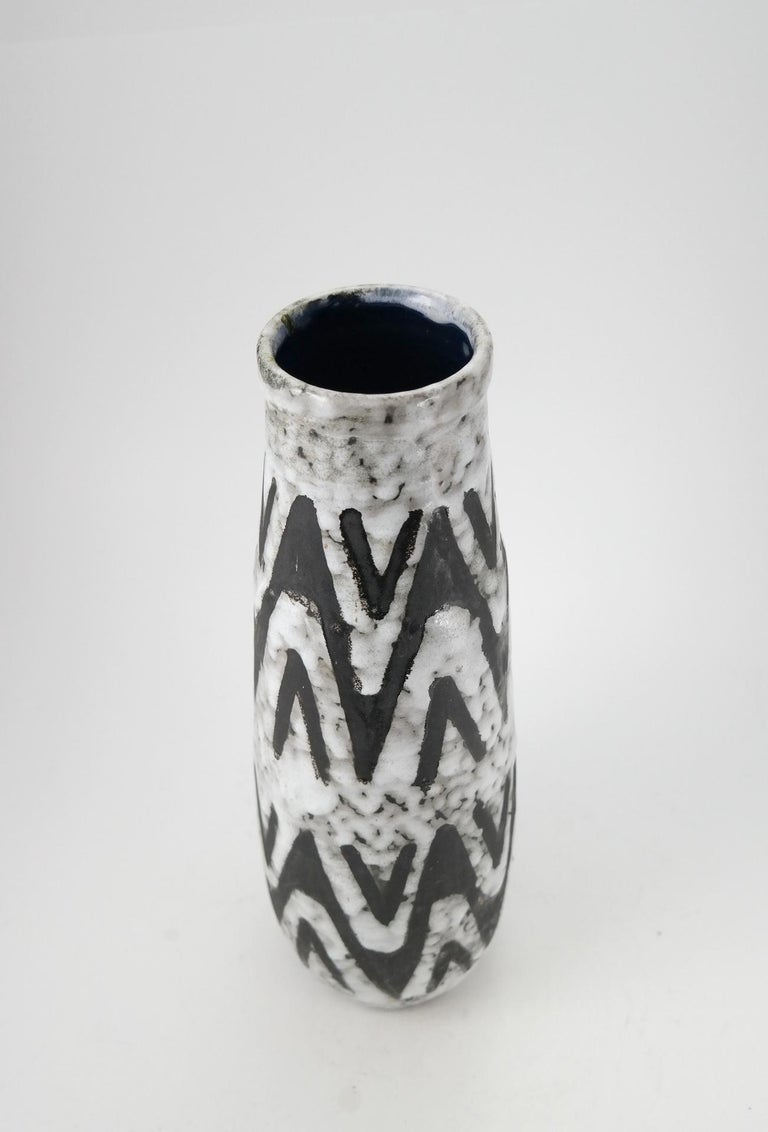 Midcentury Handmade Ceramic Vase, 1970s In Good Condition For Sale In Budapest, HU