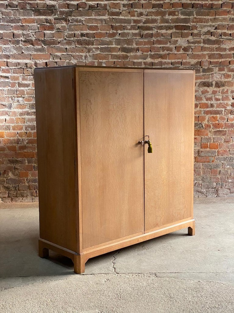 Midcentury Heal's Limed Oak Wardrobe Arts & Crafts Compactum, circa 1930 In Good Condition For Sale In Longdon, Tewkesbury