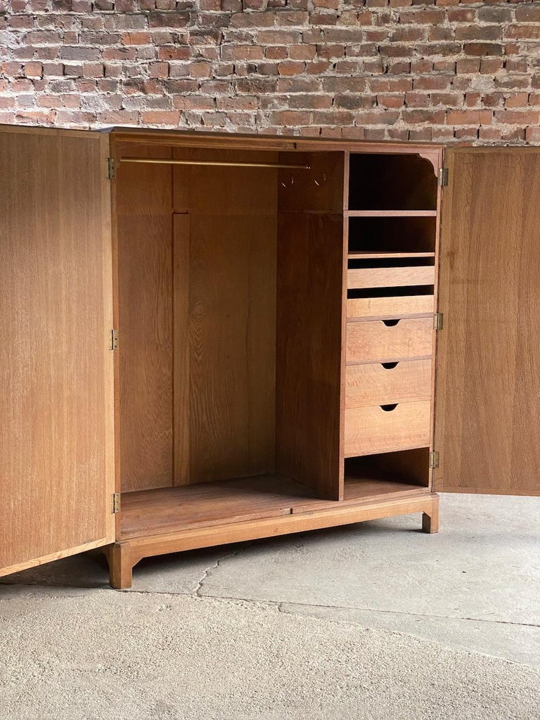 Midcentury Heal's Limed Oak Wardrobe Arts & Crafts Compactum, circa 1930 For Sale 2