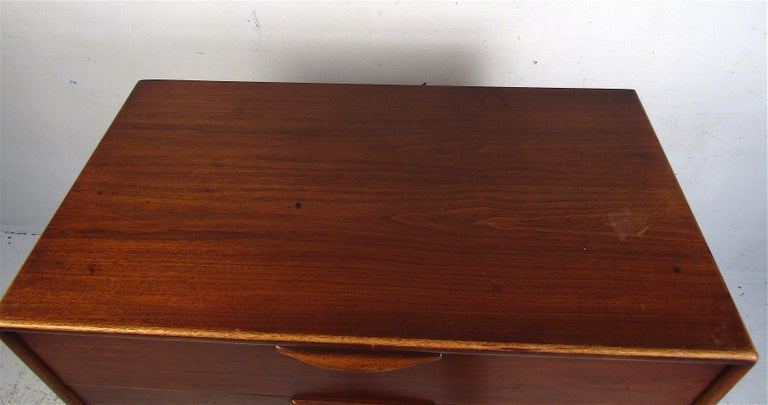 20th Century Midcentury Highboy Dresser by Lane For Sale