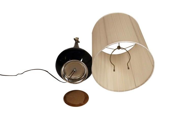 Midcentury Hollywood Regency Black Ceramic Chrome Table Lamp For Sale 2