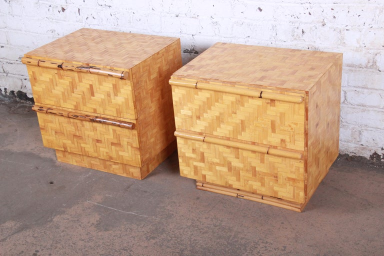 Midcentury Hollywood Regency Chinoiserie Bamboo Parquetry Nightstands, Pair In Good Condition For Sale In South Bend, IN