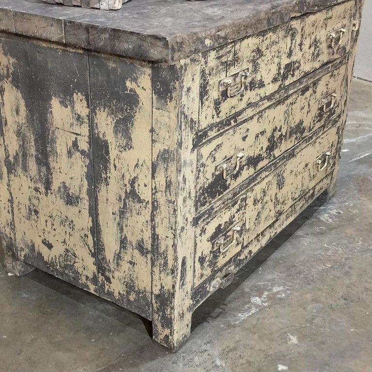 Mid-century Industrial Chest of Drawers In Distressed Condition For Sale In Dallas, TX
