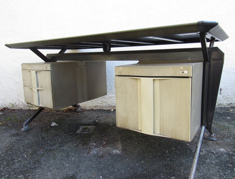 Metal Midcentury Italian Arco Desk by BBPR for Olivetti Synthesis For Sale