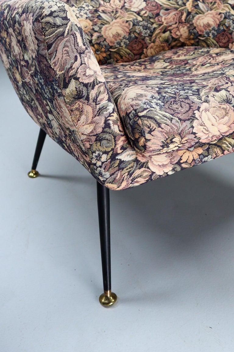 Midcentury Italian Armchair in Original Wool Flower Fabric, 1950s For Sale 6