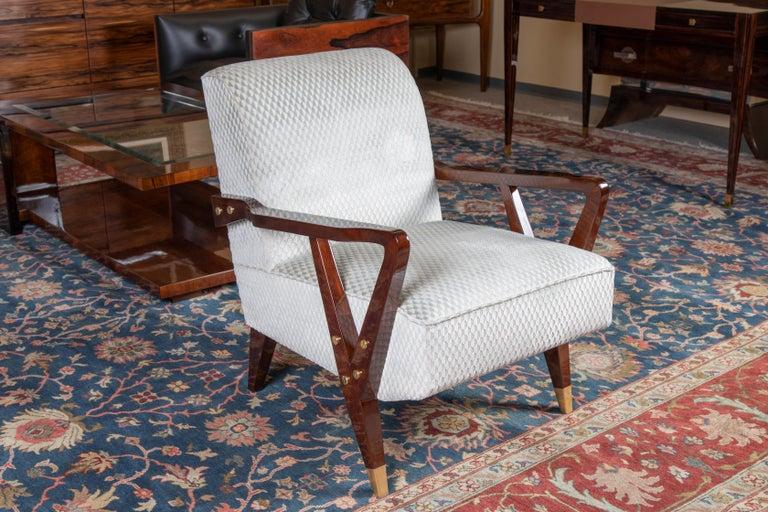 Mid-Century Italian Armchairs in Walnut For Sale 1