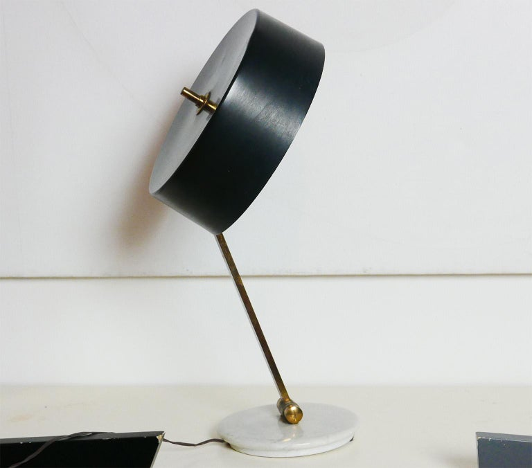 Midcentury Italian Arredoluce Black and Brass Adjustable Table Lamp, Italy, 1950 For Sale 1