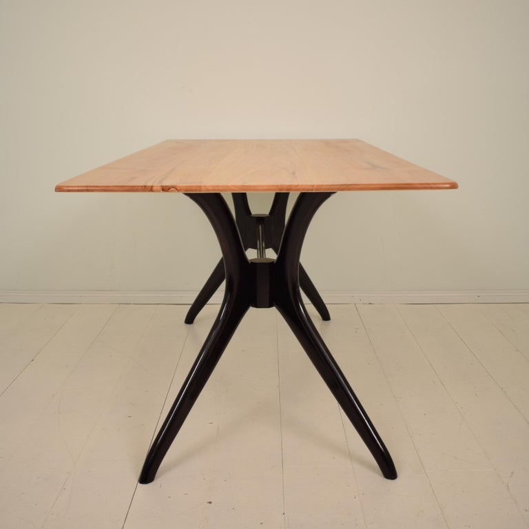 Midcentury Italian Black and Cherrywood Dining Table Style of Ico Parisi For Sale 6