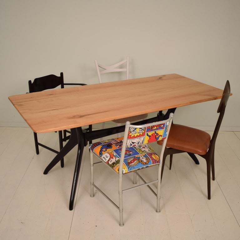 Midcentury Italian Black and Cherrywood Dining Table Style of Ico Parisi For Sale 8