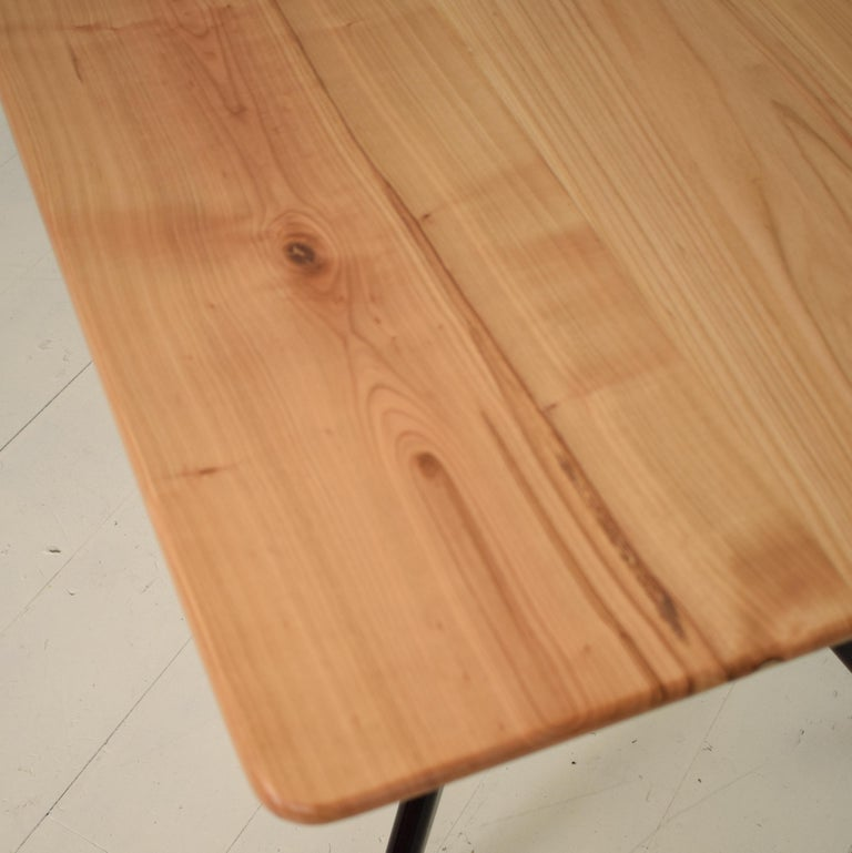 Midcentury Italian Black and Cherrywood Dining Table Style of Ico Parisi For Sale 2