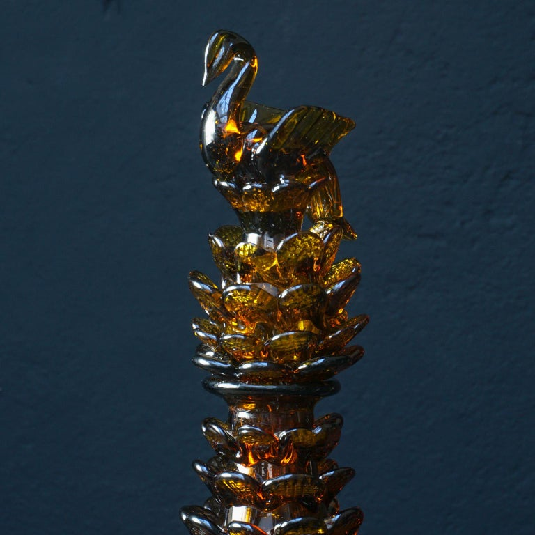 Midcentury Italian Blown Amber Glass Pinecone Carafe Decanter with Swan Stopper In Good Condition For Sale In Haarlem, NL