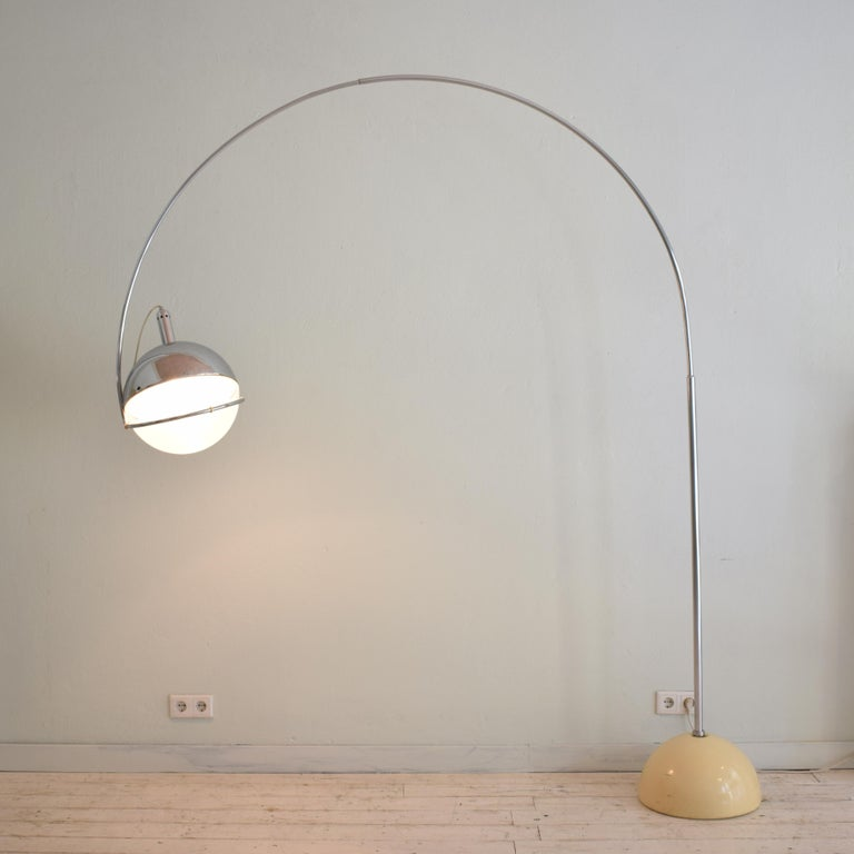 Mid-Century Modern Midcentury Italian Chrome and White Floor Lamp Focus by Fabio Lenci for Guzzini