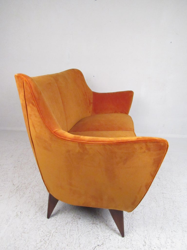 Midcentury Italian Gio Ponti Loveseat In Good Condition For Sale In Brooklyn, NY