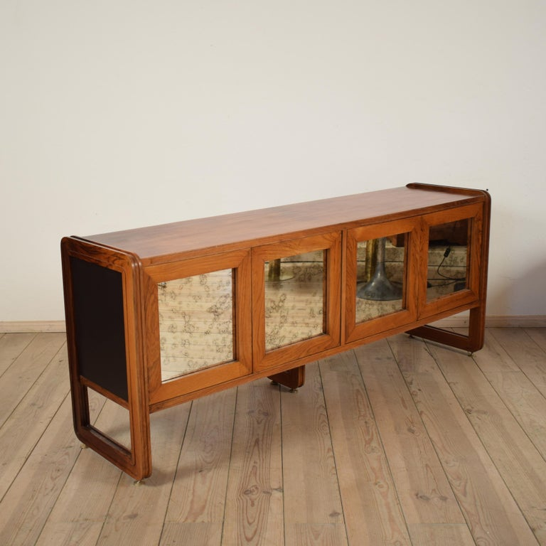 Midcentury Italian Mahogany Sideboard with Mirror Doors, circa 1960s 2