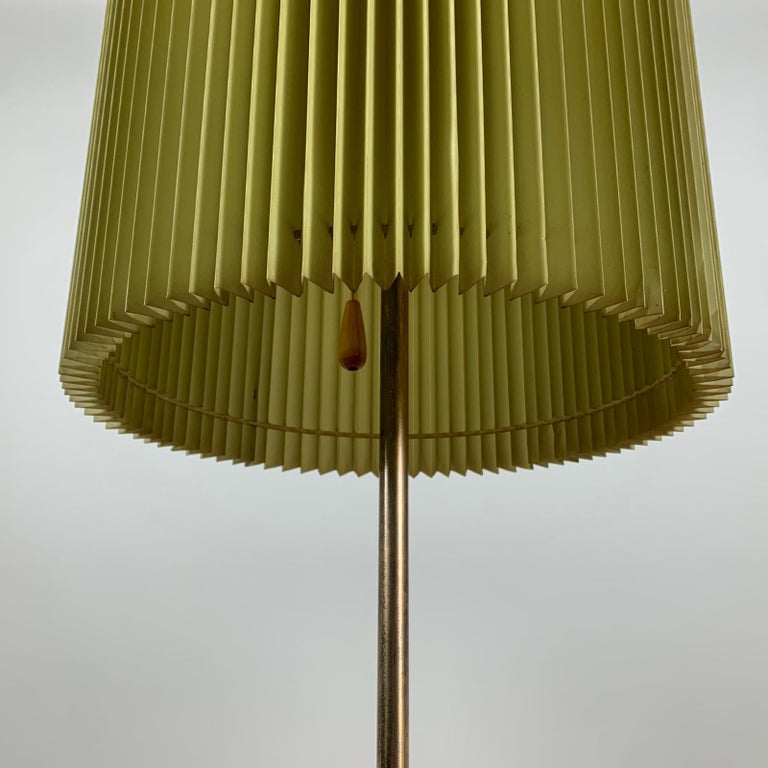 Midcentury Italian Metal Brass-Plated Lime Green Lampshade Floor Lamp 7