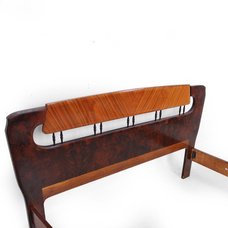Mid Century Italian Modern attributed to Borsani Bed Frame In Good Condition For Sale In National City, CA