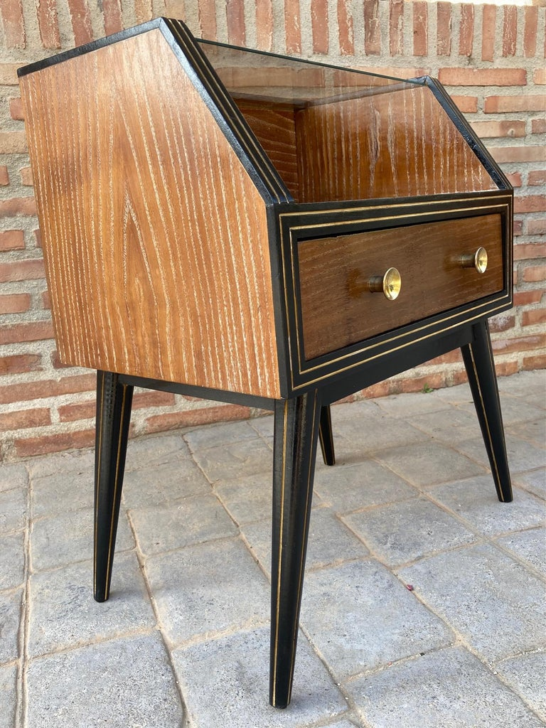 Mid Century Italian Nightstands with Glass, 1960s, Set of 2 For Sale 4