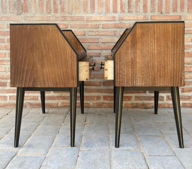 Mid Century Italian Nightstands with Glass, 1960s, Set of 2 In Good Condition For Sale In Miami, FL