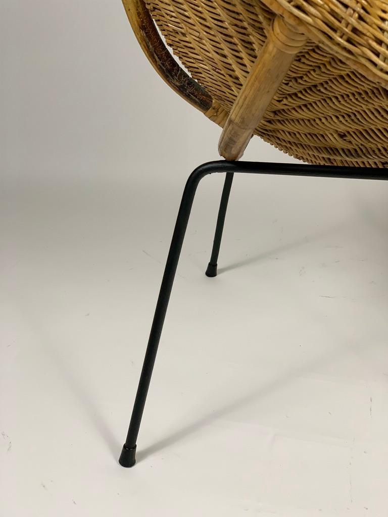 Midcentury Italian Pair of Rattan Bamboo Armchairs Black Metal Legs For Sale 7