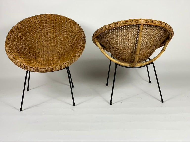 Midcentury Italian Pair of Rattan Bamboo Armchairs Black Metal Legs In Good Condition For Sale In Firenze, IT