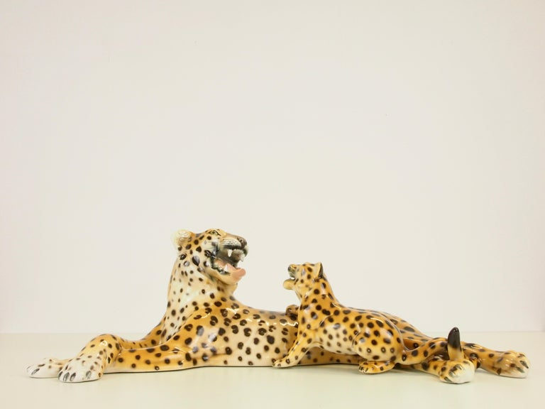 Midcentury Italian Porcelain Leopard Statuette Favaro Cecchetto Attributed In Good Condition In Hilversum, Noord Holland
