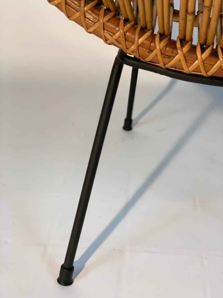 Midcentury Italian Rattan Bamboo 2 Armchairs and Side Table Black Metal Leggs For Sale 8