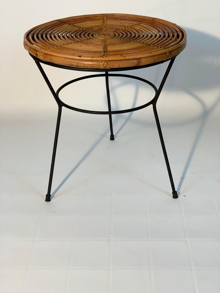 Midcentury Italian Rattan Bamboo 2 Armchairs and Side Table Black Metal Leggs For Sale 11