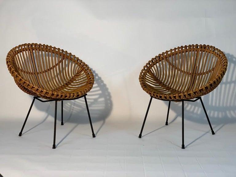 Mid-Century Modern Midcentury Italian Rattan Bamboo 2 Armchairs and Side Table Black Metal Leggs For Sale