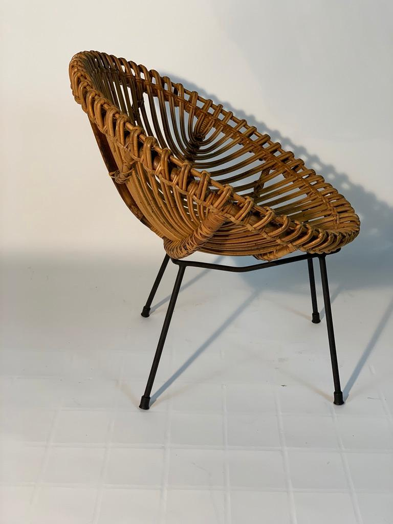 Midcentury Italian Rattan Bamboo 2 Armchairs and Side Table Black Metal Leggs For Sale 2