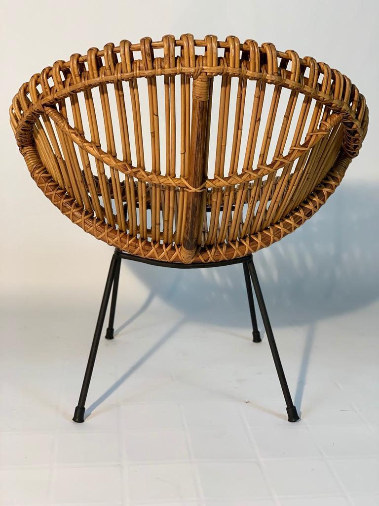 Midcentury Italian Rattan Bamboo 2 Armchairs and Side Table Black Metal Leggs For Sale 3