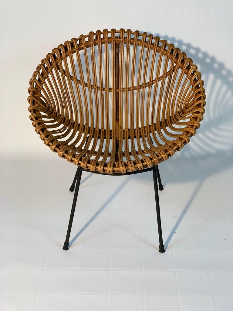 Midcentury Italian Rattan Bamboo 2 Armchairs and Side Table Black Metal Leggs For Sale 4