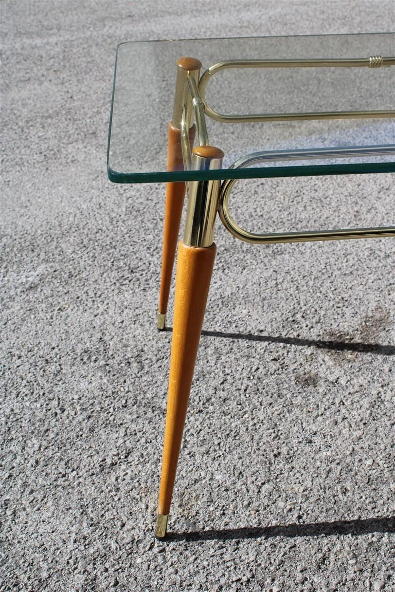 Midcentury Italian Rectangular Coffee Table in Brass and Maple with Glass Top In Good Condition For Sale In Palermo, Sicily