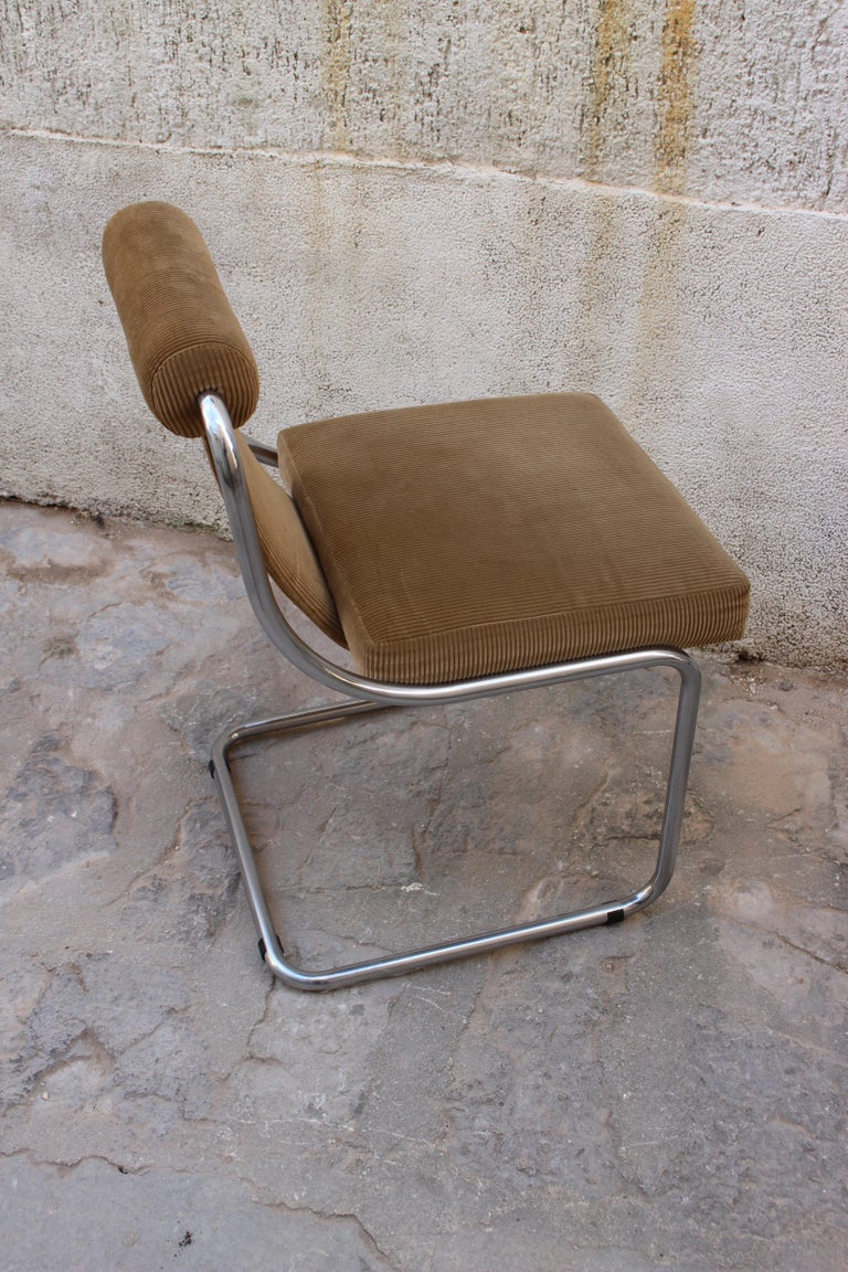 Mid-Century Modern Mid Century Italian Set of Four Chairs For Sale