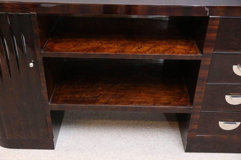 Midcentury Italian Sideboard or Book Case in Walnut In Excellent Condition For Sale In Houston, TX