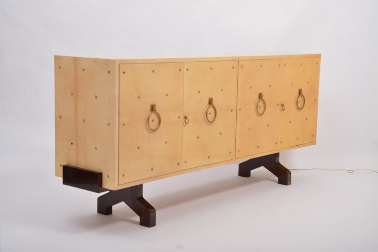Midcentury Italian Sideboard in Beige Lacquered Goat Skin by Aldo Tura For Sale 4