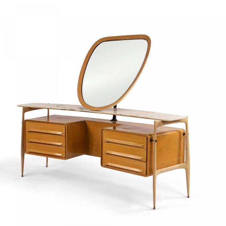 Midcentury Italian Silvio Cavatorta Maple Wood Vanity and Mirror In Good Condition For Sale In New York, NY