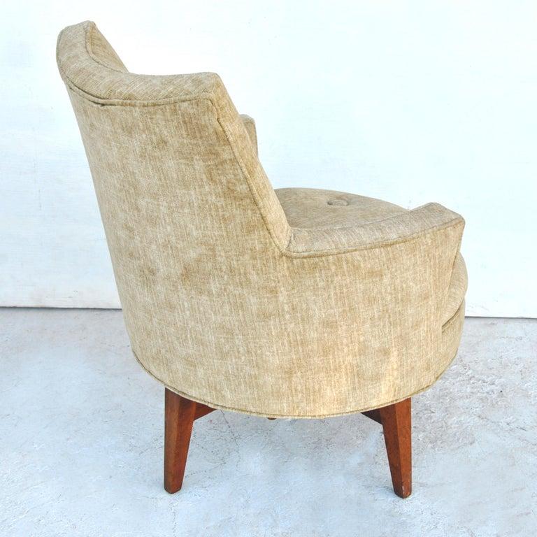Mid-Century Modern Midcentury Jens Risom Style Swivel Lounge Chair For Sale