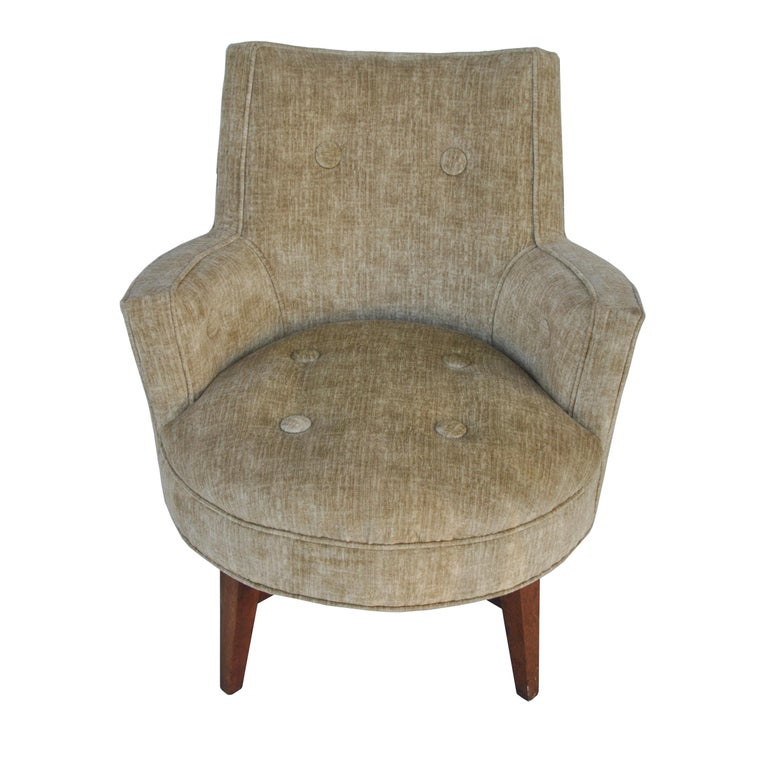 Midcentury Jens Risom Style Swivel Lounge Chair In Good Condition For Sale In Pasadena, TX