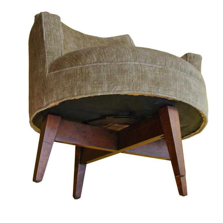 Midcentury Jens Risom Style Swivel Lounge Chair For Sale 1