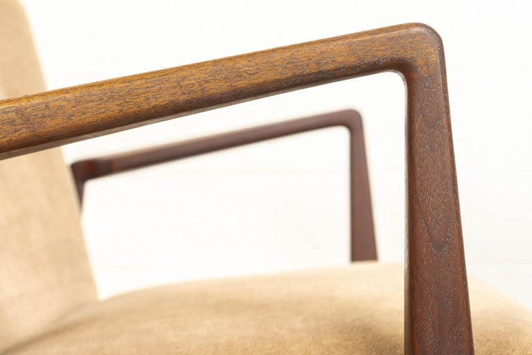 Midcentury Jens Risom Walnut Wood and Upholstered Lounge Armchairs, a Pair For Sale 2